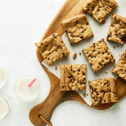 Toffee Cinnamon Oatmeal Cookie Bars