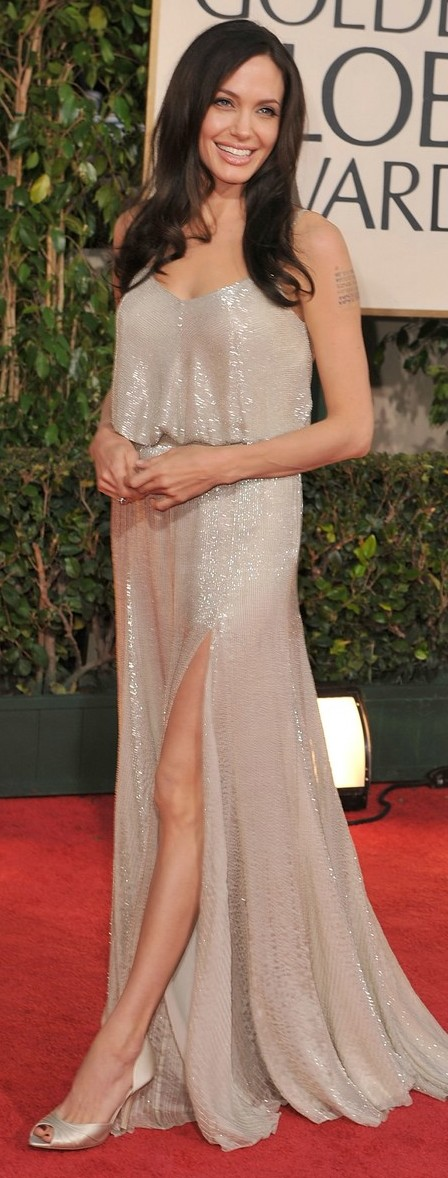 angelina jolie golden globes 2009 02   A Half Day To Go