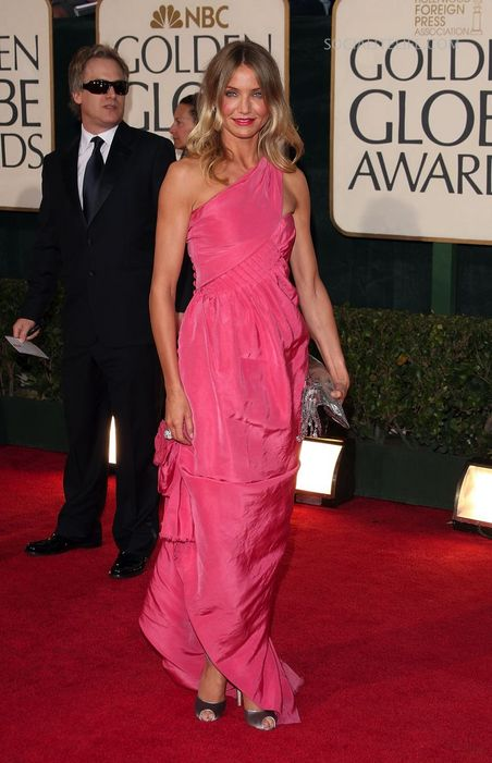 gallery main camerondiaz 2009 golden globe awards red carpet photos 01122009 05   A Half Day To Go
