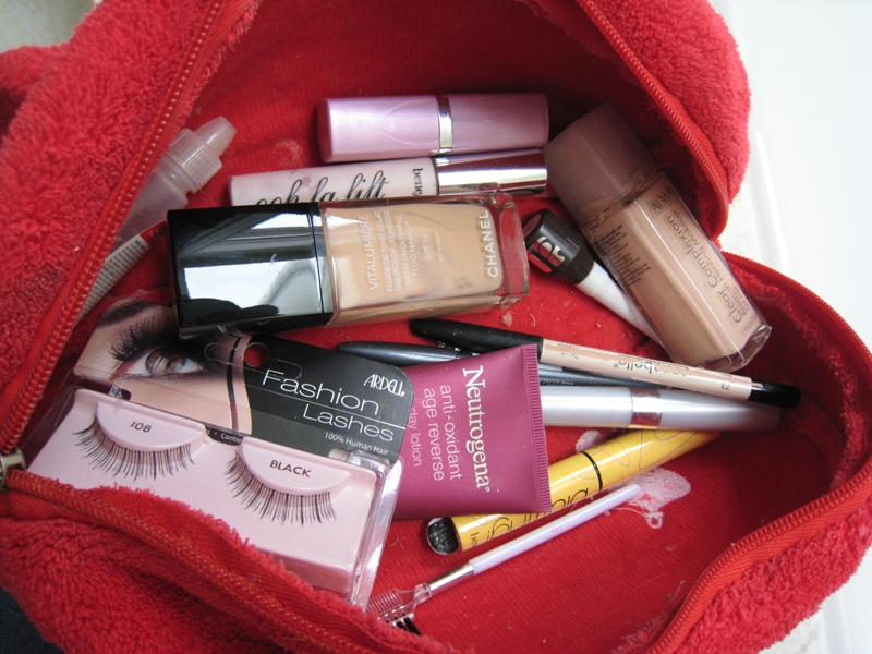 img 5888   Whats In My Makeup Bag: Part 2