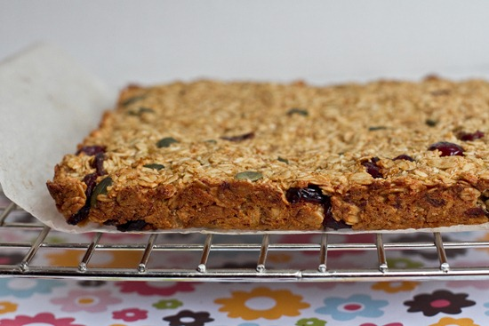20101223IMG 6994 thumb   Healthy Banana Cranberry Oat Bars