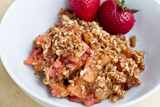 IMG 4600   Vegan & Flourless Strawberry Apple Breakfast Crisp