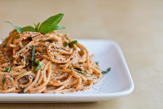 Easy Tomato Basil Cream Pasta — Oh She Glows