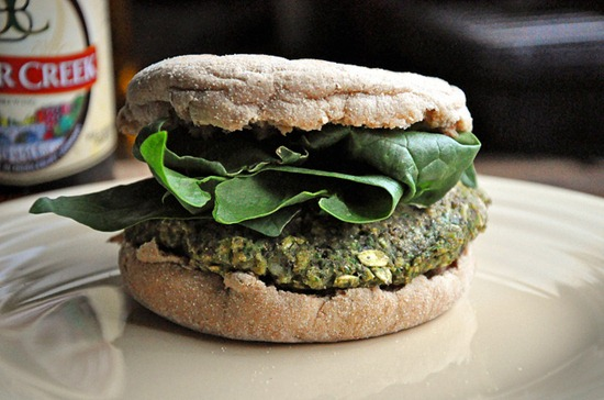 black_bean_spinach_burger