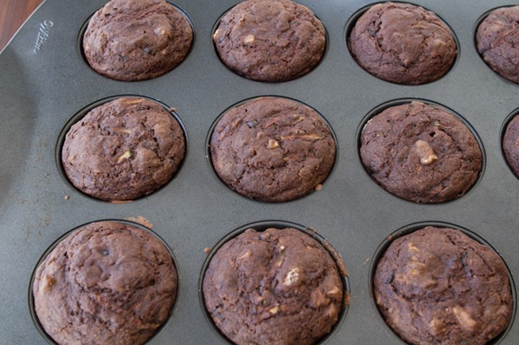 oil free vegan choclate zucchini muffins 3031   Oil Free Chocolate Zucchini Walnut Muffins