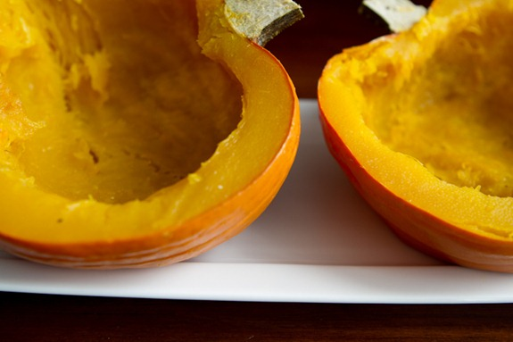 how to roast a pumpkin 4915   How To Roast A Sugar Pumpkin & Make Fresh Pumpkin Purée – A Step by step Photo Tutorial
