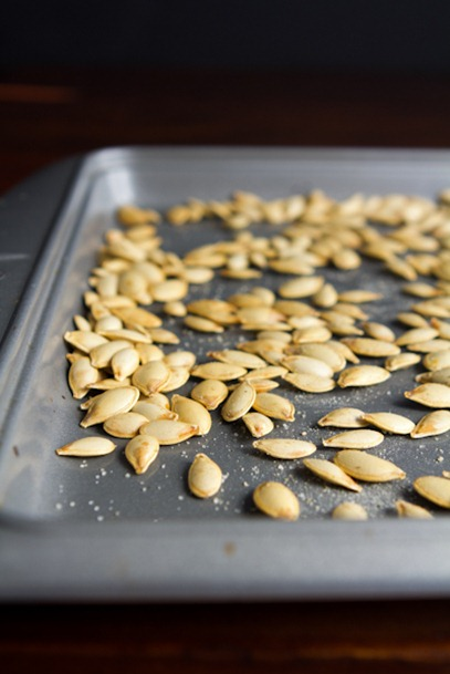 how to roast pumpkin seeds 5131   How To Roast Perfect Pumpkin Seeds – Easy, Crunchy, Addictive!