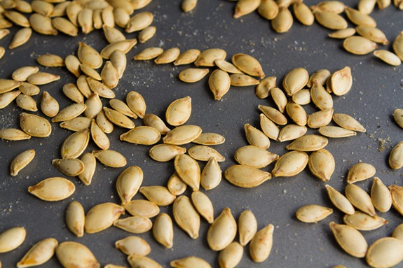 how to roast pumpkin seeds 5134   How To Roast Perfect Pumpkin Seeds – Easy, Crunchy, Addictive!