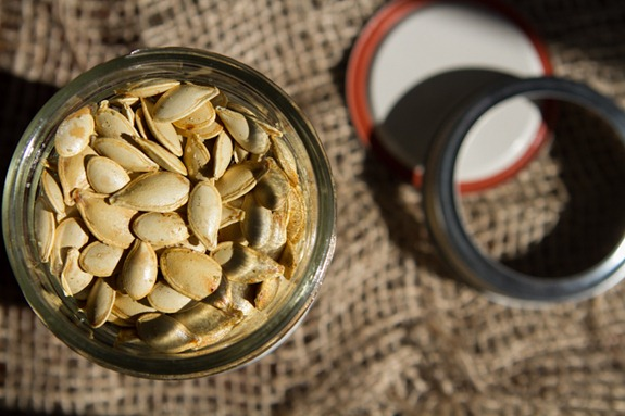 how to roast pumpkin seeds 5145   How To Roast Perfect Pumpkin Seeds – Easy, Crunchy, Addictive!