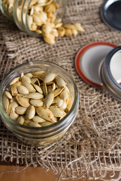 how to roast pumpkin seeds 5151   How To Roast Perfect Pumpkin Seeds – Easy, Crunchy, Addictive!