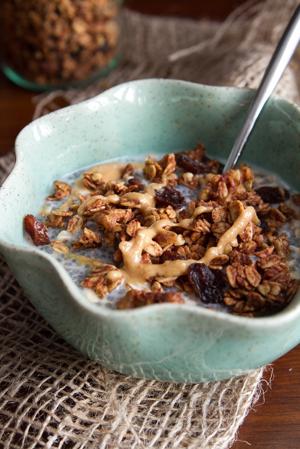 cinnamon bun granola 6628   Cinnamon Bun Granola Recipe + Halloween Treat a thon!