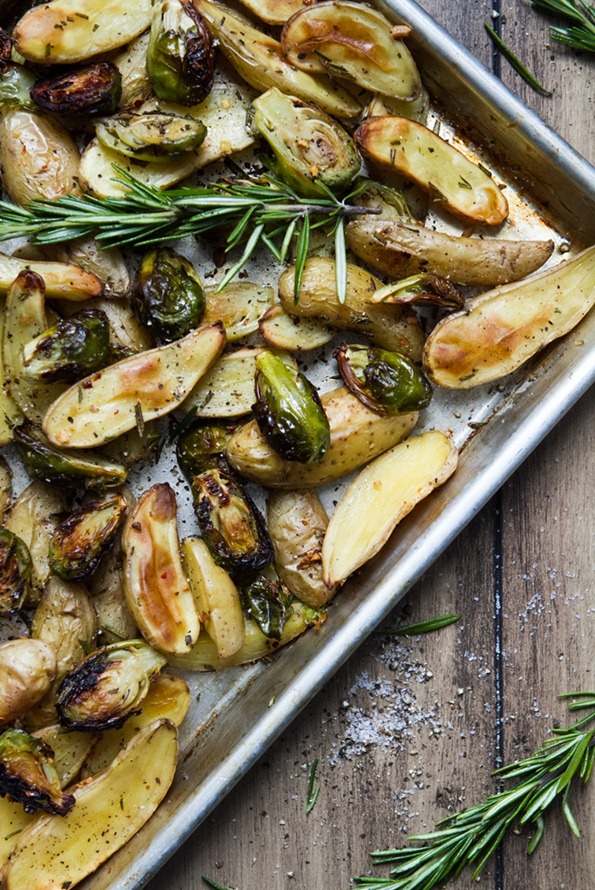 roasted brussels sprouts and fingerling potatoes with rosemary 6793 3   Roasted Fingerling Potatoes and Brussels Sprouts with Rosemary and Garlic