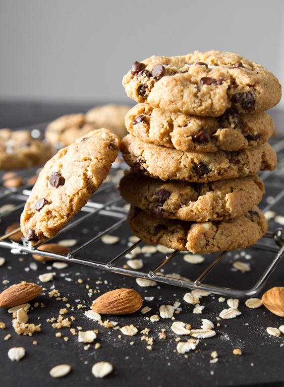 Crispy Peanut Butter Chocolate Chip Cookies (Vegan & Gluten-Free ...