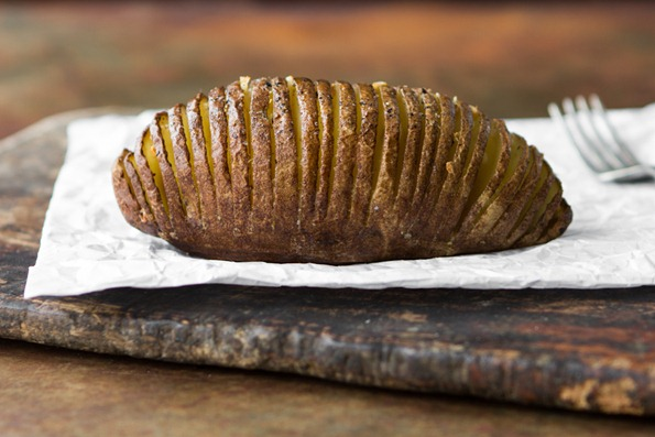 hasselback potatoes 1403 thumb   Hasselback Potatoes and Hasselback Apples –The Show Down