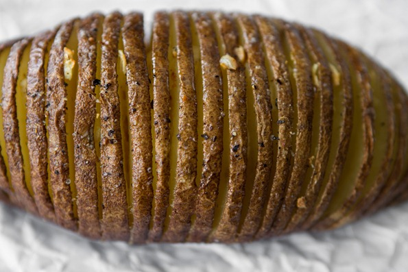hasselback potatoes 1405 thumb   Hasselback Potatoes and Hasselback Apples –The Show Down