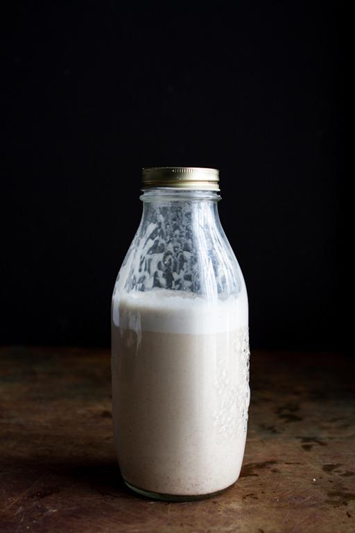 Homemade Almond Milk: Step by Step Recipe
