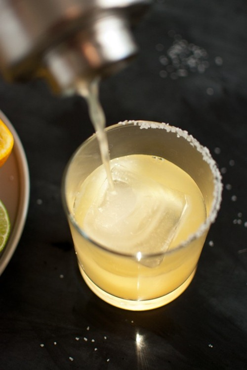 how-to-pour-margarita-cookieandkate