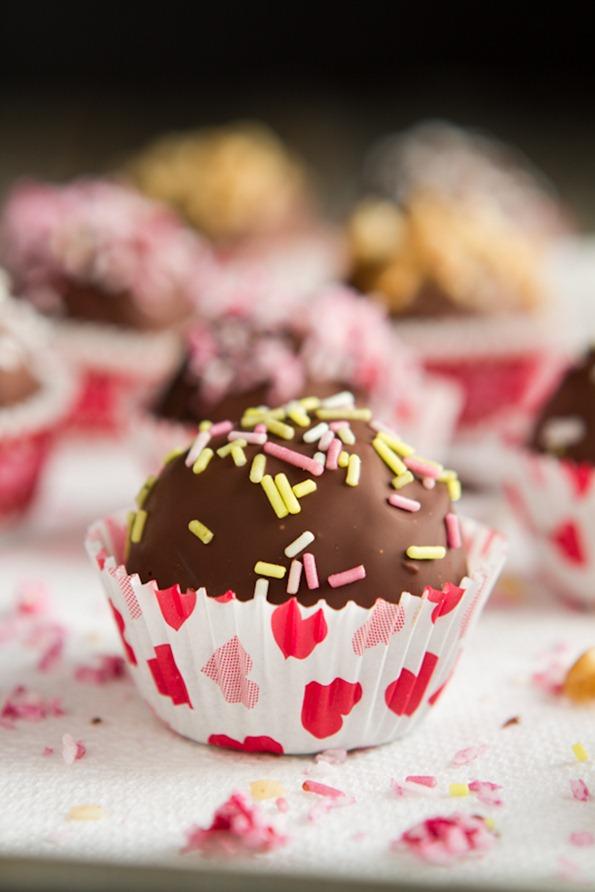 vegancakeballglutenfree 1782 thumb   Vegan and Gluten Free Chocolate Cake Balls