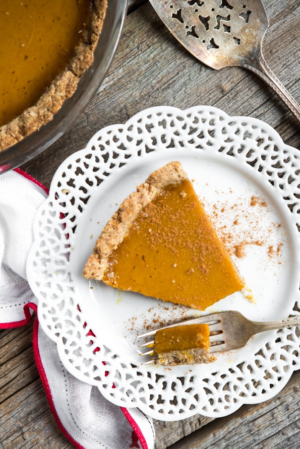 veganpumpkinpie 3704   3 Course Vegan and Gluten Free Holiday Menu – Step by step!