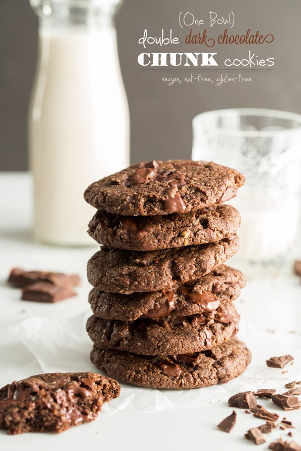 vegandoublechocolatechunkcookies 5877   One Bowl Double Chocolate Chunk Cookies